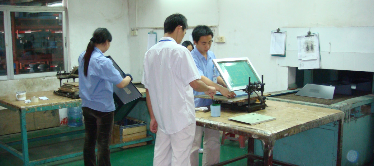 A corner of silk screen printing workshop   深圳钣金加工厂家